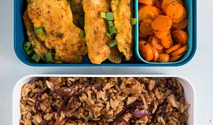 Kurczak w cieście ze smakowitymi dodatkami. Zapakuj i zabierz do pracy