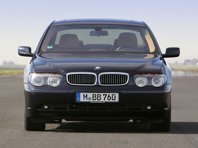 Kierowcy uważajcie na czarne BMW - policja autostradowa ma nowy nieoznakowany radiowóz