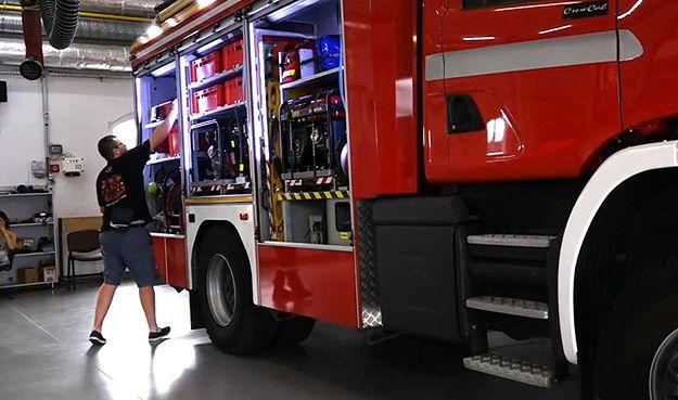 Wozy strażackie za miliony nie mogą jeździć. Powód? Zbyt ciężkie