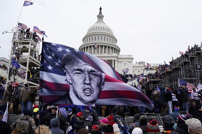 Protest zwolenników Donalda Trumpa na Kapitolu