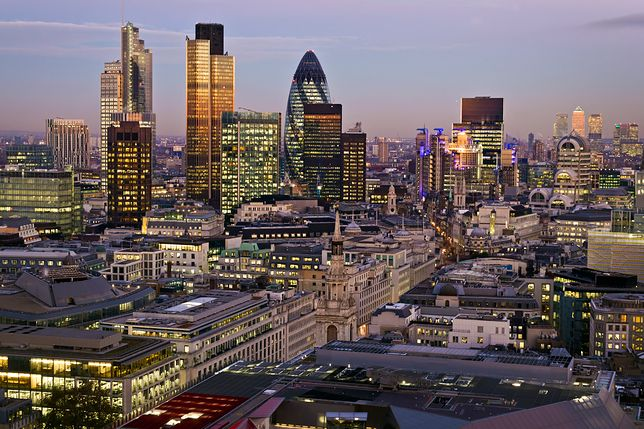 """""""Ogórek"""", jeden z najbardziej znanych budynków w Londynie"""