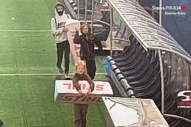 Bielsko-Biała. Policjanci ustalili tożsamość nieletnich, którzy dokonali kradzieży z terenu Stadionu Miejskiego.