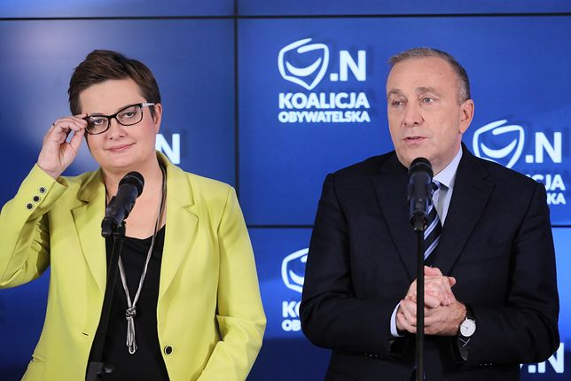 Znaczna część Polaków nie wie, czy PO i N. powinny się połączyć