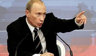 """Prezydent Rosji Władimir Putin składając życzenia noworoczne prezydentowi USA Donaldowi Trumpowi wezwał go do """"pragmatycznej współpracy"""" i """"konstruktywnego dialogu""""."""