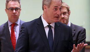 Dymisji Batesa nie przyjęła premier May