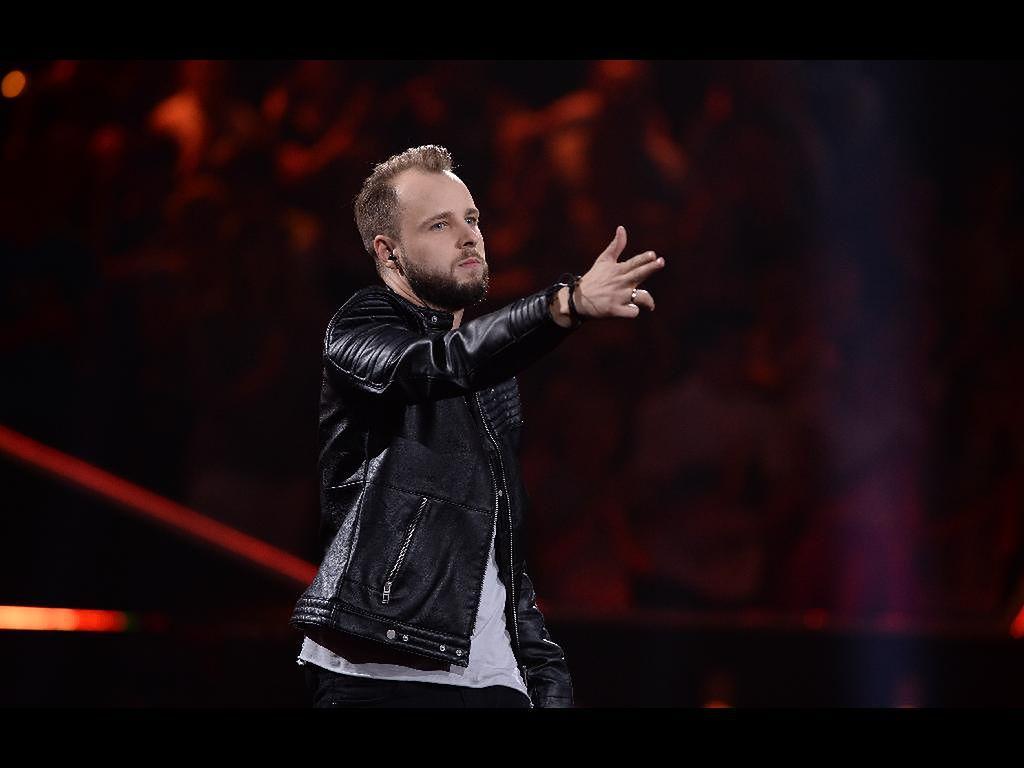 """""""The Voice of Poland"""": Krzysztof Grześkiewicz rozwój muzyczny traktuje jako pracę. Dzięki udziałowi w show będzie jeszcze lepszym profesjonalistą?"""