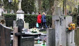 Nieoficjalnie: Cmentarze otwarte na Wielkanoc. Rząd nie planuje powtórki z ubiegłego roku