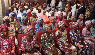 Bojownicy w 2014 r. porwali uczennice z Chibok. Niektóre uwolnili
