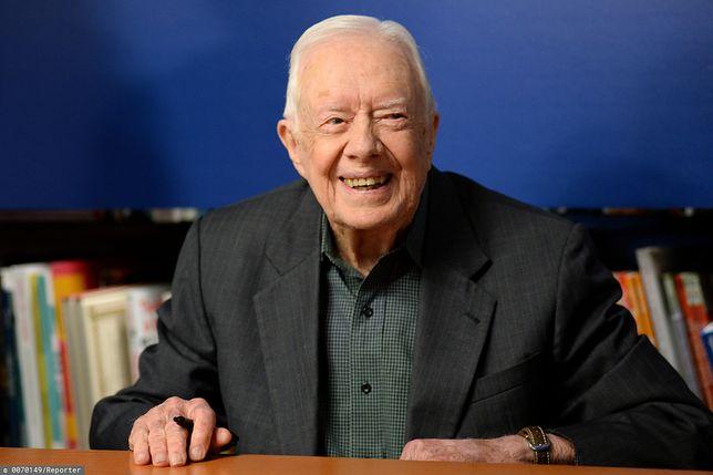 Jimmy Carter upadł w swoim domu. Byłemu prezydentowi założono 14 szwów