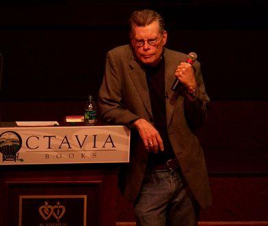 Stephen King jest tak samo znany czytelnikom co kinomanom