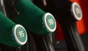 Sprzedali 30 mln litrów niszczącego silniki ON