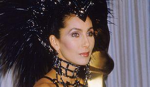Cher w sukni z rozdania Oscarów w 1986.