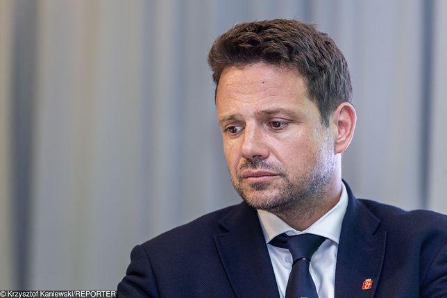Internauci składają kondolencje Rafałowi Trzaskowskiemu