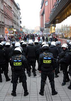 Policja zablokowała Marsz Równości w Poznaniu