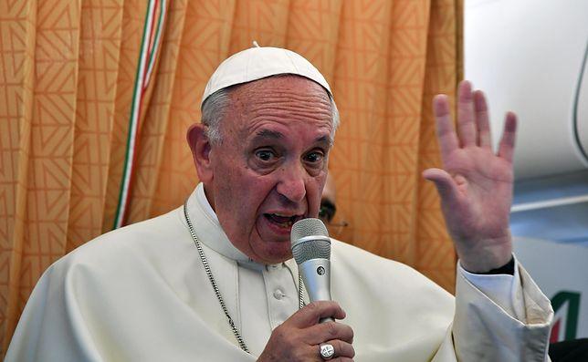 """Papież Franciszek przeprasza za wypowiedź na temat pedofilii. """"Użyłem złych słów"""""""