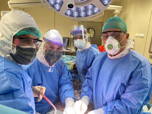 Sytuacja wymagała wyjątkowego zaangażowania nie tylko zespołu lekarskiego, ale przede wszystkim, pielęgniarskiego