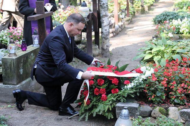 Andrzej Duda złożył wieniec na grobie Tadeusza Mazowieckiego, byłego premiera Polski