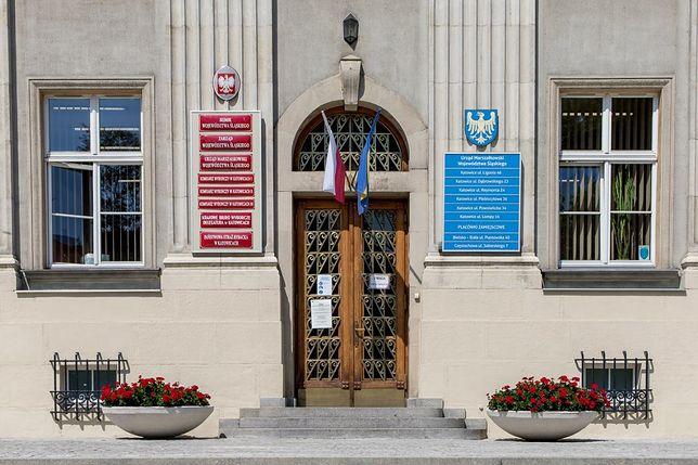 Do Urzędu Marszałkowskiego w Katowicach najlepiej zadzwonić lub wysłać maila.