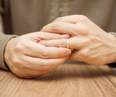 Rozstaje się aż 33 proc. małżeństw