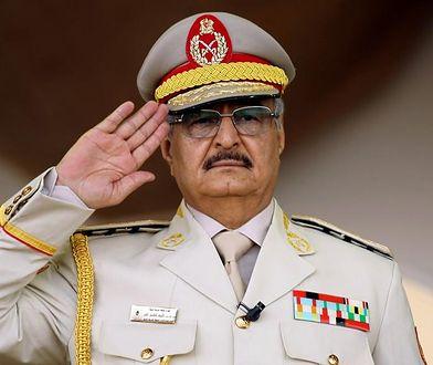 Oszuści podszywali się pod Khalifę Haftara