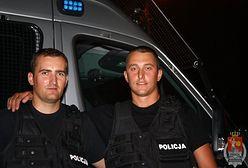 Ojciec z synkami topił się w Parku Skaryszewskim. Uratowali ich policjanci