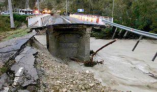 Rosja: Cyklon zabił dwie osoby. Są liczne podtopienia. Soczi odcięte od świata