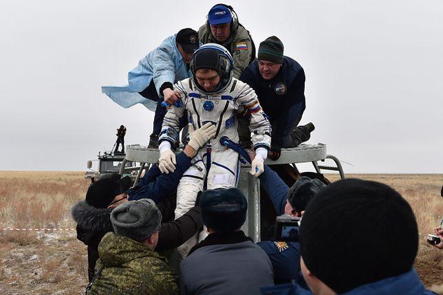 Scott Kelly i Michaił Kornijenko powrócili na Ziemię po 340 dniach na ISS