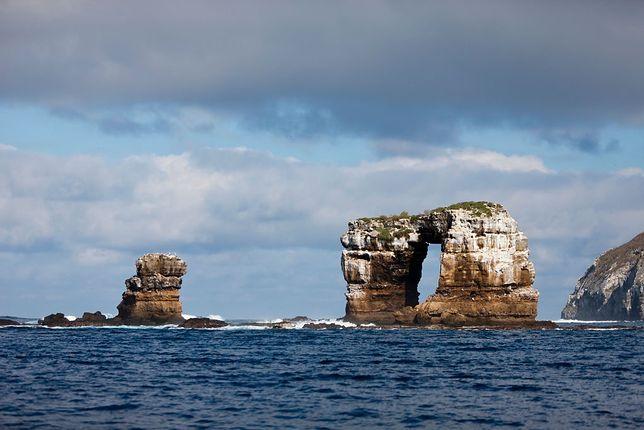 Tak przed zawaleniem wyglądał Łuk Darwina na Galapagos