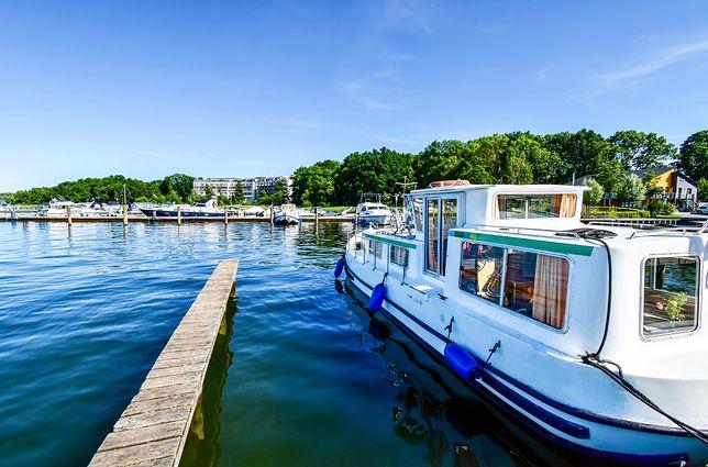 Houseboat - zdjęcie ilustracyjne