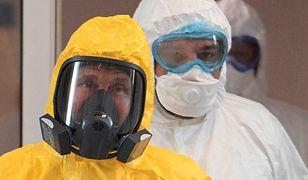 Koronawirus w Rosji. Prezydent Władimir Putin wizytował szpital dla zakażonych