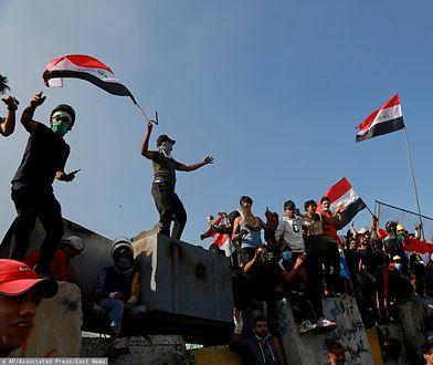 Od początku października w protestach zginęły setki osób