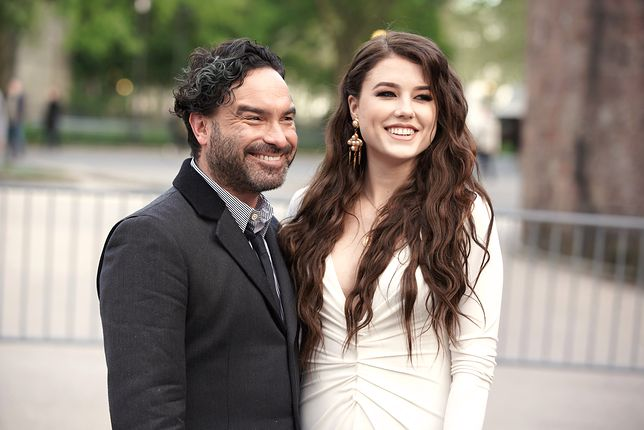 Johnny Galecki i Alaina Meyer