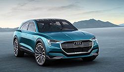 Kamil Łabanowicz i jego Audi E-Tron Quattro Concept
