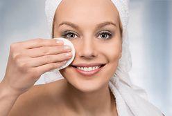 Czym zmywać makijaż? Skuteczny i szybki demakijaż