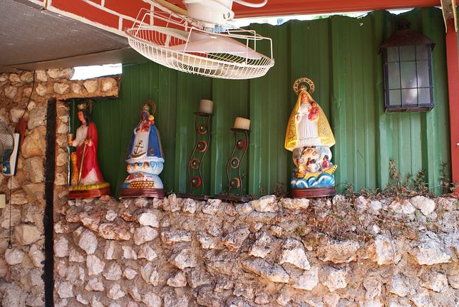 Santeria jest niezwykle popularna na Kubie, praktykuje ją spora część społeczeństwa - nie tylko starsze, ale i młodsze pokolenie