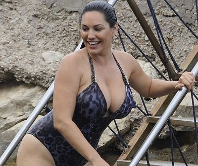 Kelly Brook w seksownym stroju kąpielowym