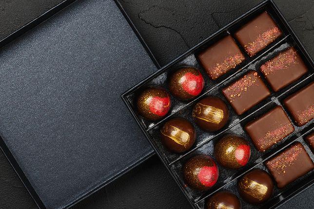 Biznesowy upominek nie musi być banalny - teraz popularne są firmowe czekoladki
