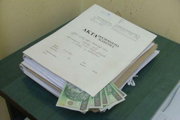 Podając się za policjanta, chciał wyłudzić pół miliona złotych!