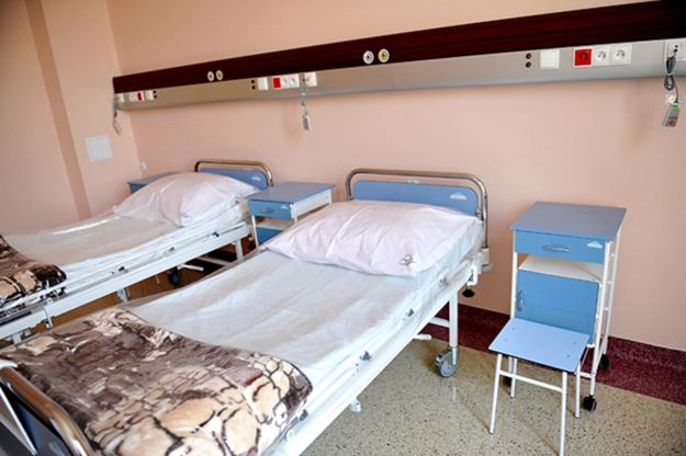 Łóżka przeznaczone dla pacjentów w szpitalu