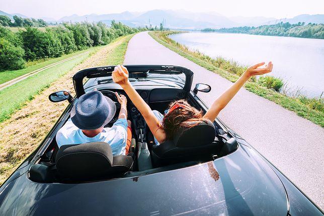 Wypożyczanie samochodów jest w Polsce coraz popularniejsze. Cenimy sobie wygodę, komfort, bezpieczeństwo i elastyczność tej usługi.
