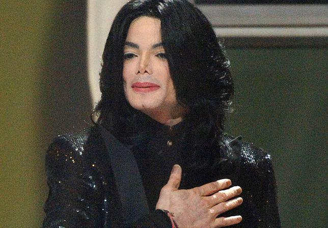 """Stacje radiowe blokują piosenki Jacksona. Zapytaliśmy o zdanie polskich dziennikarzy. """"Śmiech na sali"""""""