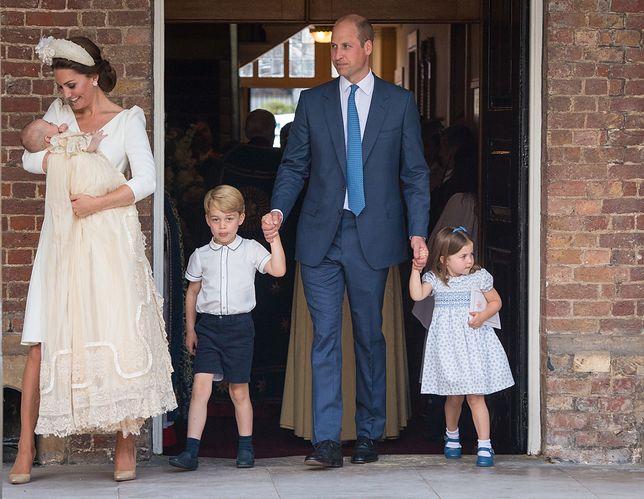 Książę Geroge i księżniczka Charlotte wyglądają uroczo i zwyczajnie zarazem