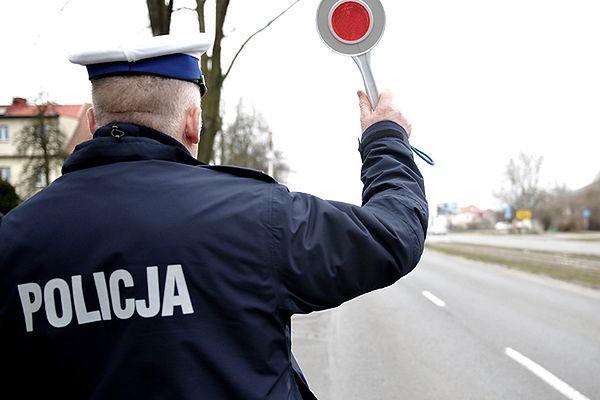 """Akcja """"Znicz"""" 2014. Wzmożone kontrole i tysiące policjantów na ulicach"""