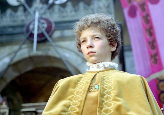 "Adam Probosz jako książę Mateusz w ""Akademii Pana Kleksa"" (1983)"