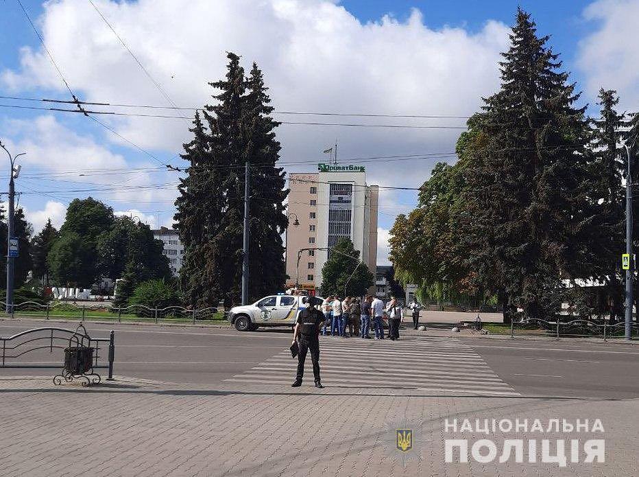 Ukraina. Uzbrojony mężczyzna porwał autobus. Ma zakładników
