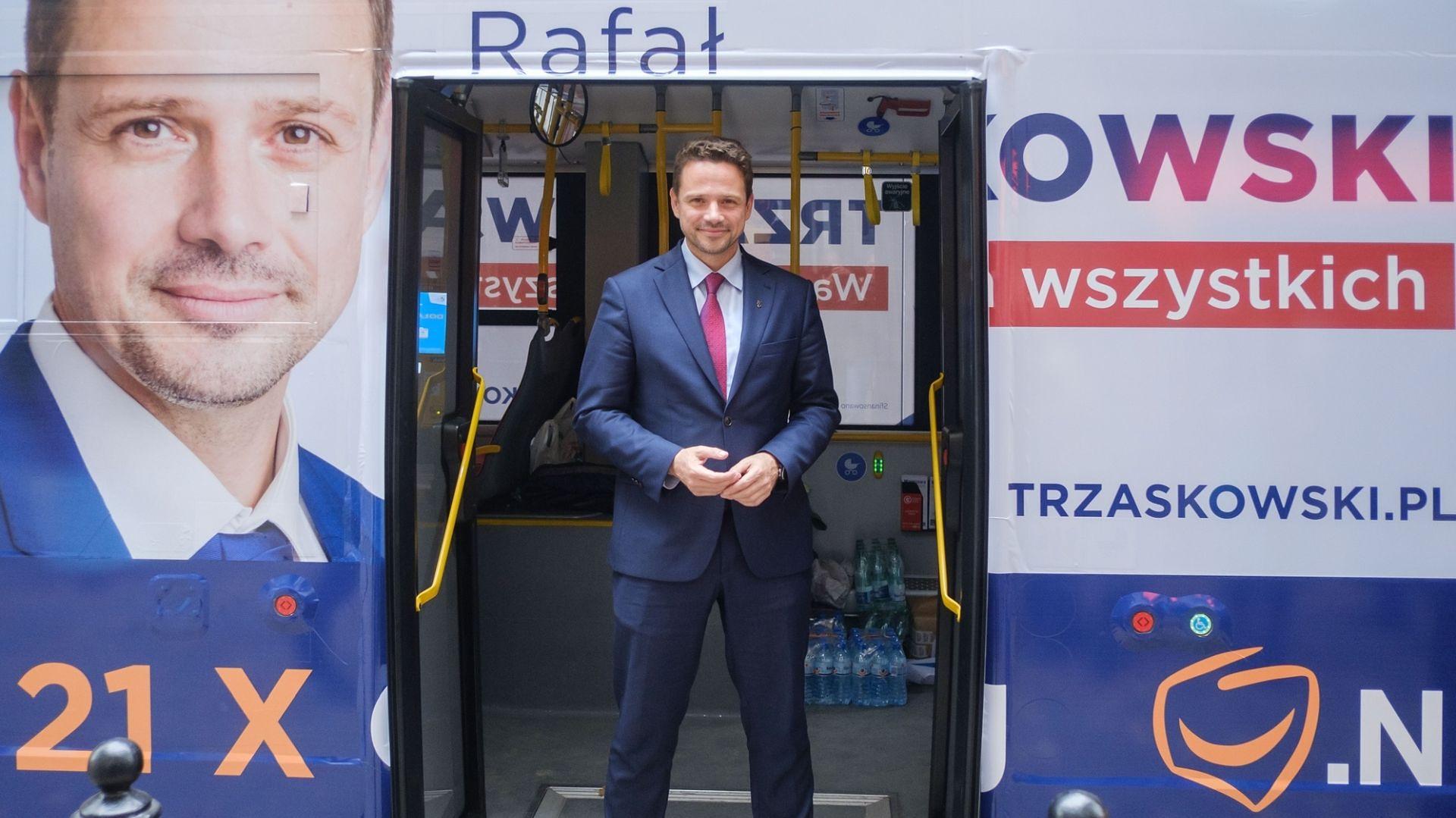 """Rafał Trzaskowski dla WP: """"Tłuste koty nie wyśpią się na dębowym biurku w moim gabinecie"""""""