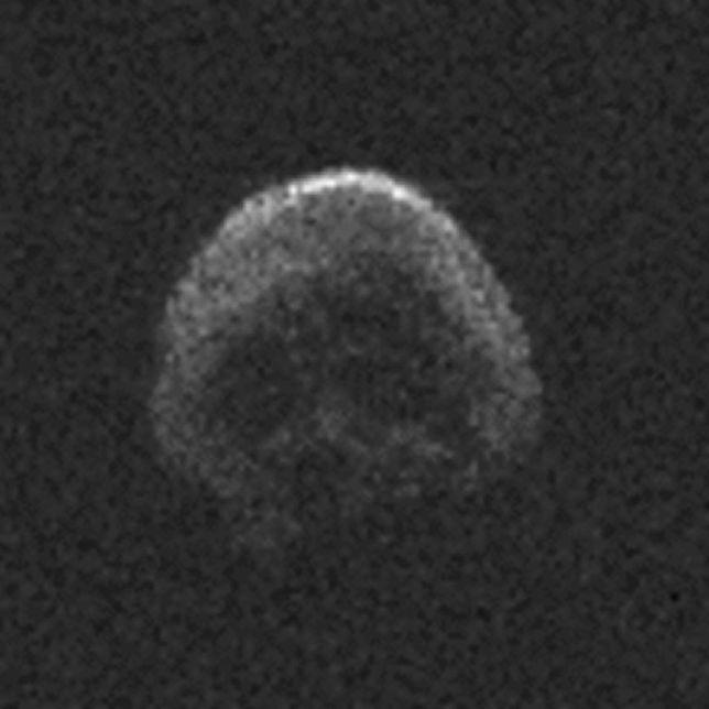 Nietypowa asteroida zbliża się do naszej planety