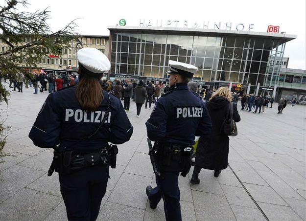 Niemcy zaczynają się bać z powodu uchodźców. Nie ufają politykom i służbom. Władze ostrzegają przed samosądami, ale zaostrzają politykę wobec imigrantów