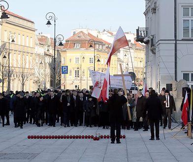 Apel Lecha Wałęsy i Władysława Frasyniuka. Jest odpowiedź rodzin ofiar katastrofy smoleńskiej