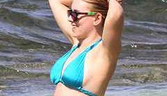 Scarlett Johansson na plaży